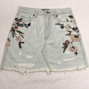 Abercrombie- Vintage embroidered A-line skirt, 2
